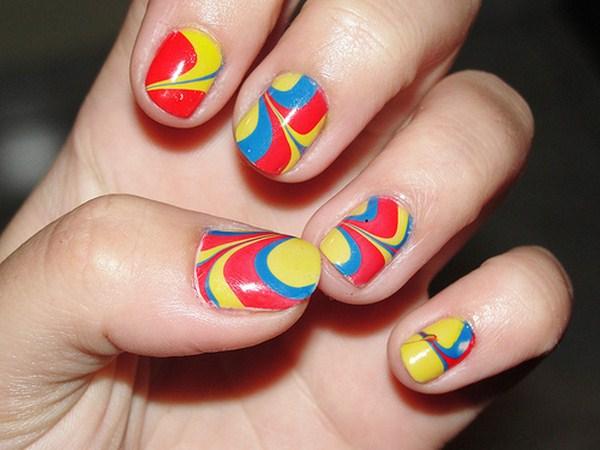 Cách đơn giản tạo những mẫu nail đa sắc tuyệt đẹp