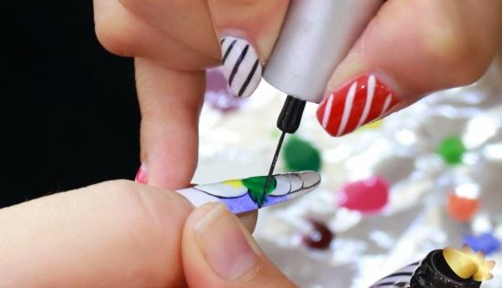 cách vẽ móng tay hình Chin&Su đơn giản