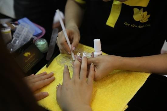 những thuận lợi khi dạy nail cho người mới