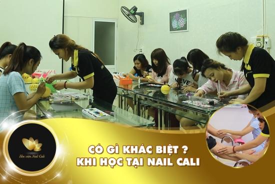 kết hợp dạy nail và hướng dẫn khởi nghiệp