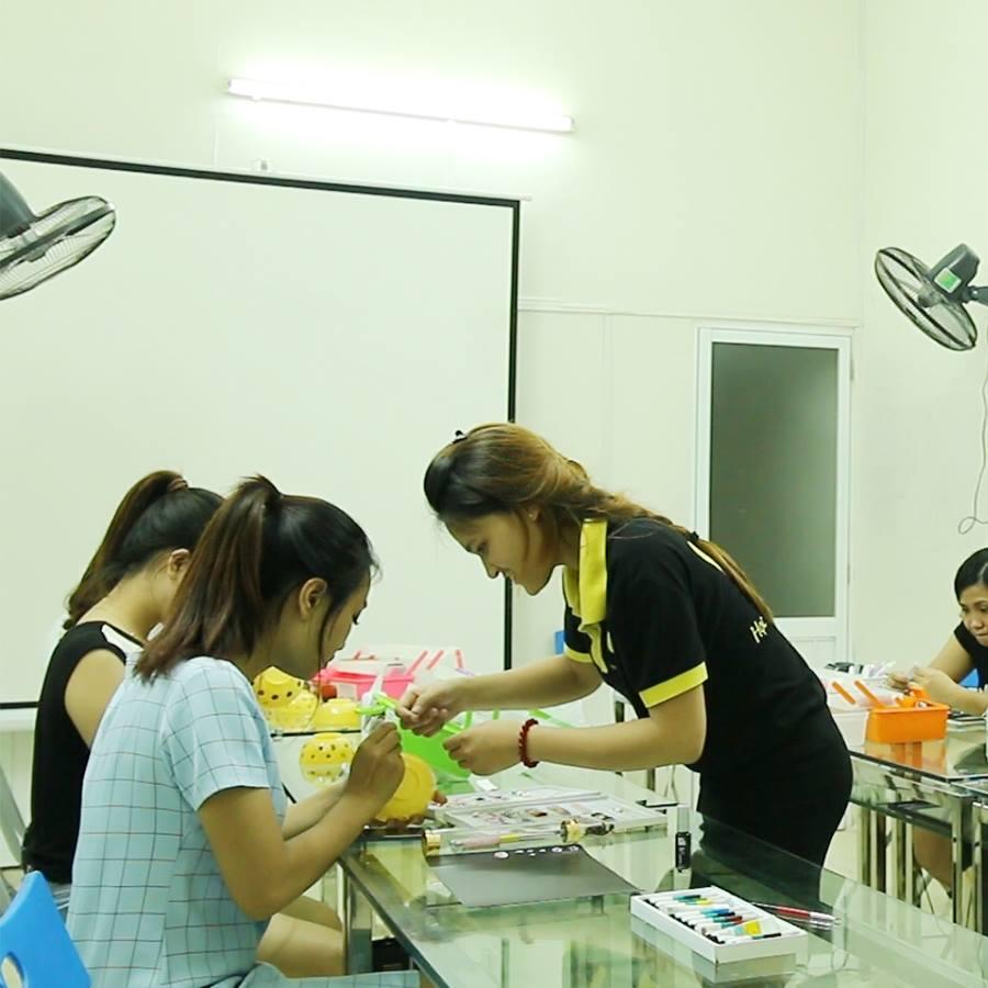 dạy nghề nail dễ hay khó