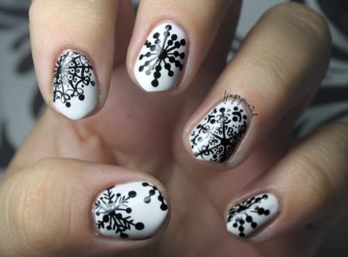 học cách vẽ móng tay hình bông tuyết đơn giản
