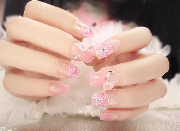 những mẫu nail đẹp trên nền sơn bóng mờ