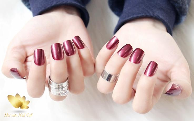 nail đẹp trên nền sơn bóng mờ