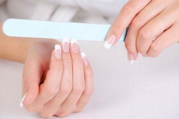 học cách giải quyết các sự cố khi học làm nail