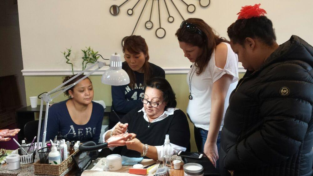 trường dạy nghề nail nổi tiếng