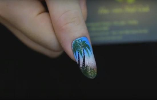 vẽ móng tay họa tiết cây dừa
