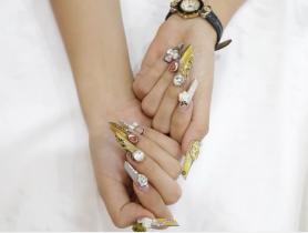 Những mẫu móng tay đẹp nhất trong tháng 10