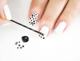 2 cách vẽ móng tay đẹp bằng những vật dụng đơn giản tại nhà