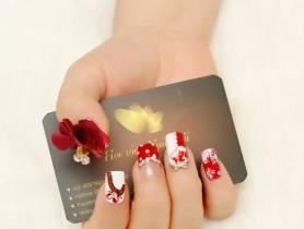 Những mẫu nail đỏ chuẩn gu giáng sinh