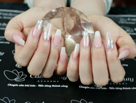 Học đắp móng bột acrylic xin việc nail châu âu